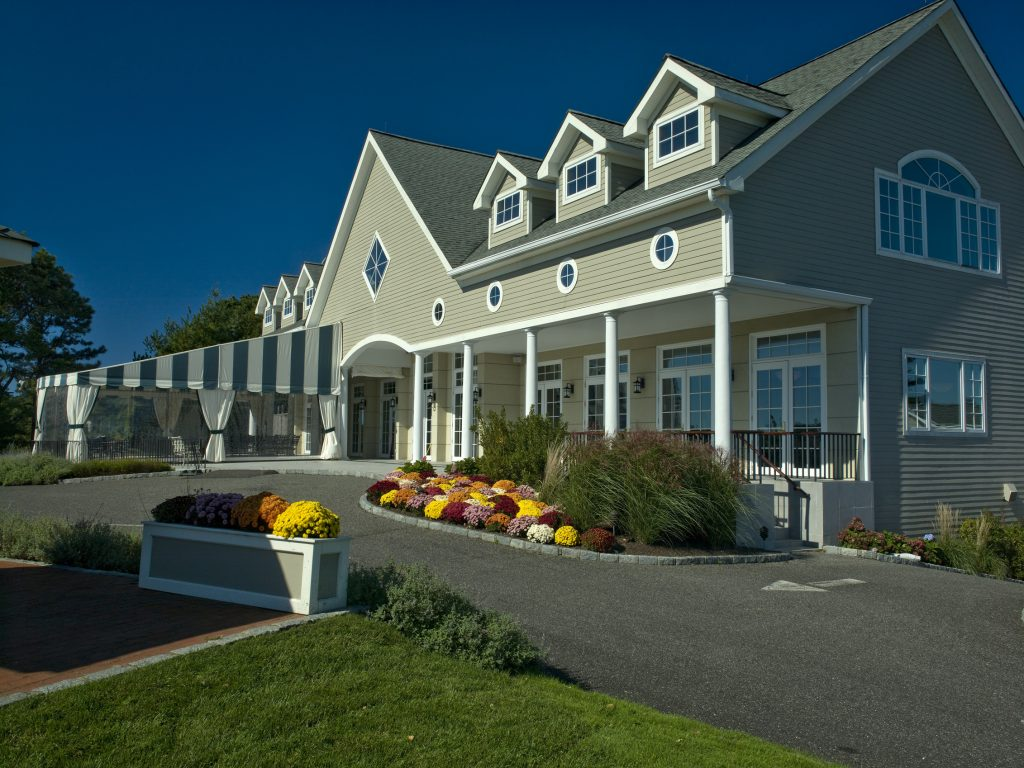Hampton Hills Golf and Country Club - Clubhouse