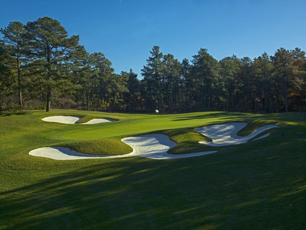 Hampton Hills Golf and County Club - Sand Traps and Green